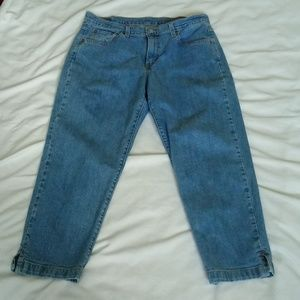 Ladies Blue Jeans Capri Slim Fit 14